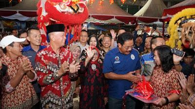 Pembukaan Lapak dan Bazar, Kunjungan Gubernur dan Walikota Syahrul Disambut Meriah Oleh Para Pengunjung