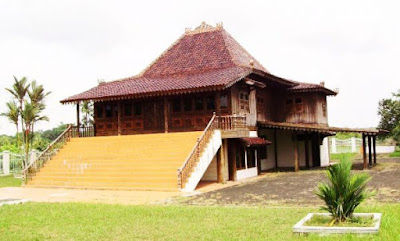 Foto Rumah Adat Sumatera Selatan