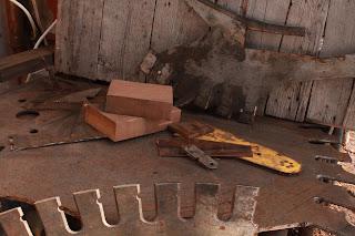 saw blade, chain saw blade and head saw teeth.