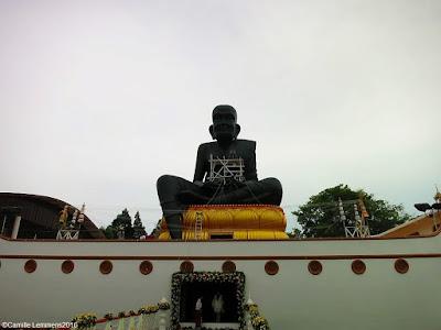 Wat Bophud sitting monk statue ceremony