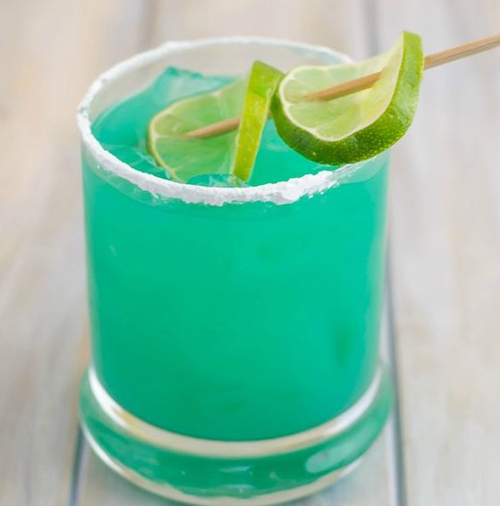 BLUE DEVIL COCKTAIL RECIPE #Cocktail #Drinks