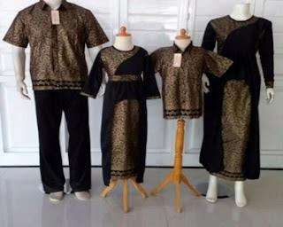 model baju batik untuk foto keluarga