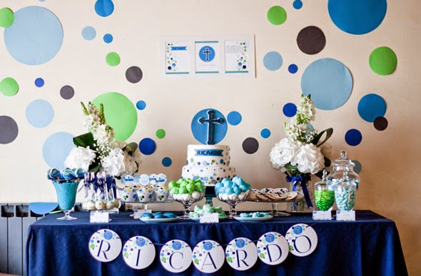 Decoracion De Mesas De Comunion Para Niños First Communion With A Lot Of Color And Fun - Kids Decoration
