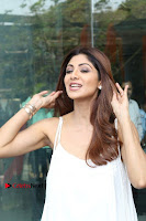 Bollywood Actress Shilpa Shetty Pos in White Gown at The Inauguration Of Shelar Make up Academy  0011.jpg