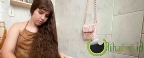 Jual rambut buat belikan rumah bagi orang tua