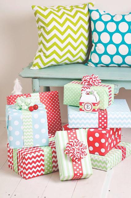 http://www.karaspartyideas.com/2013/12/a-merrry-bright-christmas.html