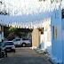 Moradores pintam rua com cores da Argentina como forma de protesto