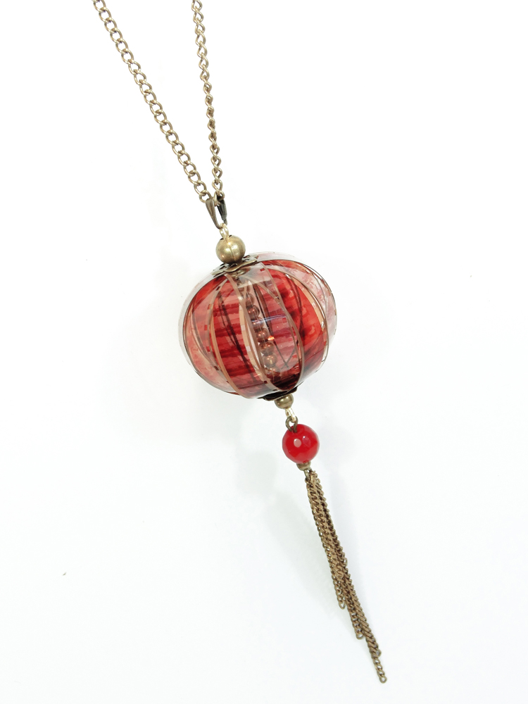https://www.oddity-london.com/2020/07/colgante-largo-globo-granate.html
