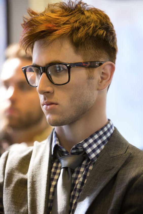 peinados para hombres con gafas los mejores peinados para chicos con gafas gaffa