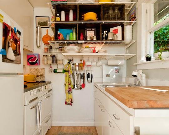 Di Bahagian Belakang Pintu Dapur Juga Boleh Dijadikan Sebagai Tempat Untuk Mengantung Periuk Kuali Kain Lap Atau Barang Yang Anda Rasa Relevan