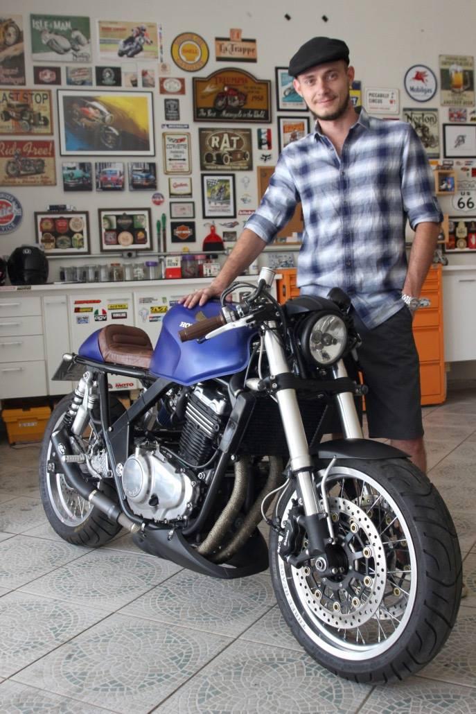 honda cb500 cafe racer rocketgarage cafe racer magazine. Black Bedroom Furniture Sets. Home Design Ideas