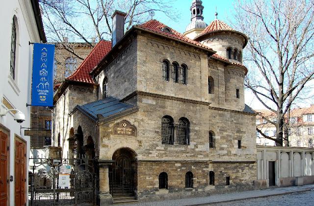 Passeio pelo Bairro Judeu Josefov em Praga