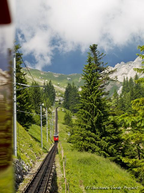Tren Cremallera al Monte Pilatus, Lucerna, por El Guisante Verde Project