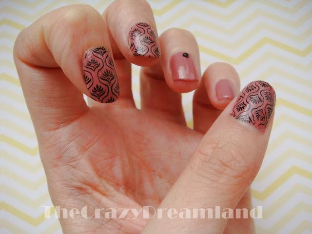 nail-art-stamping-black