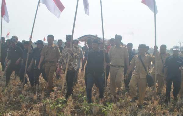 warga pilangsari majalengka patok perkebunan tebu