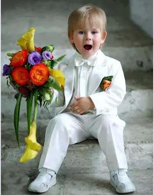Yakışıklı-çocuk-in-beyaz-loaded-pic
