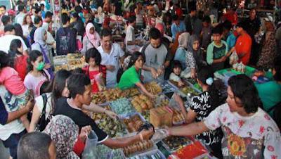 Berburu takjil  dipasar kuliner Malang
