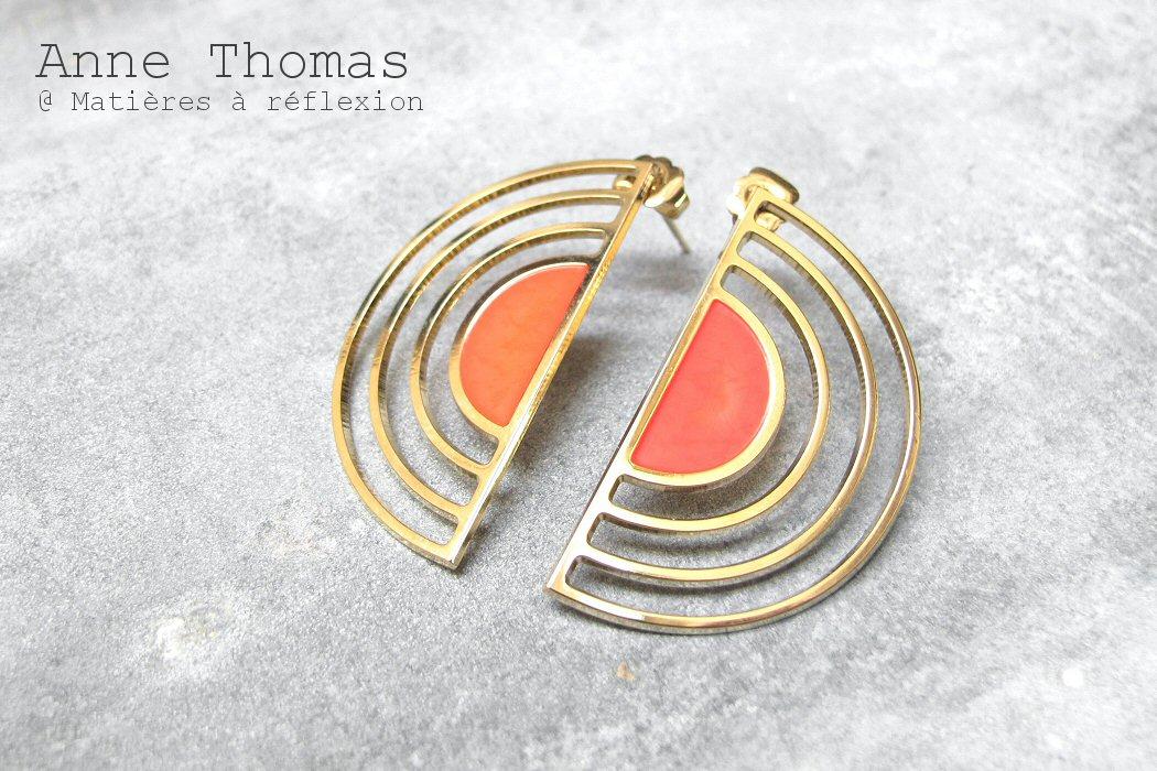 Anne Thomas boucles d'oreille rouge fluo