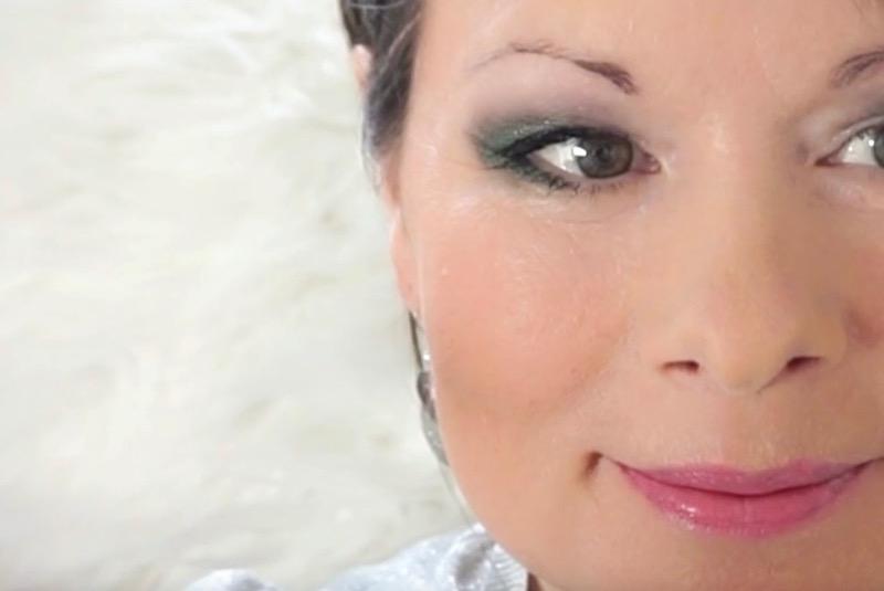 Schminktutorial Augen Make Up Grun Eyeliner Schlupflider Fashion