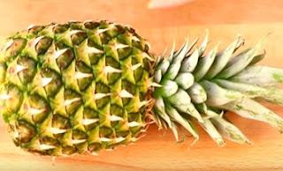 Art In Pineapple Garnish