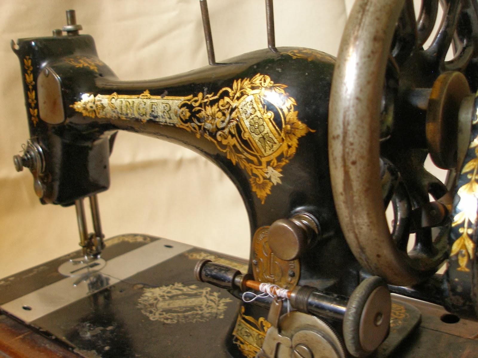 ber die freude am n hen mit einer 1895er handbetriebenen singer. Black Bedroom Furniture Sets. Home Design Ideas