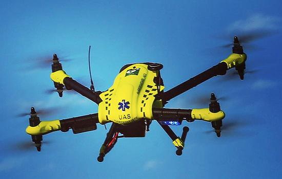 KeSimpulan Ambulans Drone FlyPulse Kirim Defibrilator Atasi Serangan Jantung