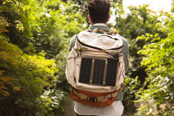 YOLK Solar 太陽能充電器推薦