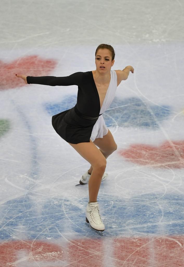 Ice skater shows vagina