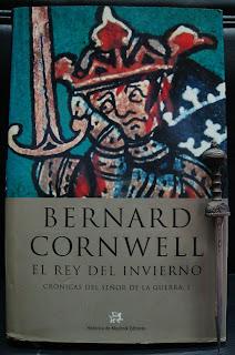 Portada del libro El rey del invierno, de Bernard Cornwell