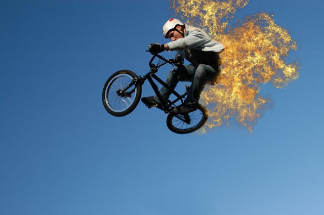 Cara Membuat Efek Terbakar Api di Photoshop