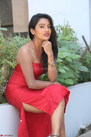 Mamatha sizzles in red Gown at Katrina Karina Madhyalo Kamal Haasan movie Launch event 015.JPG