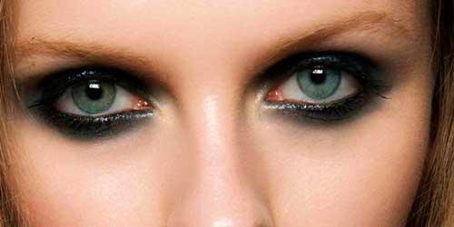 origen de los ojos ahumados