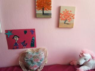 Καδράκι με ζωγραφιές των παιδιών κολάζ