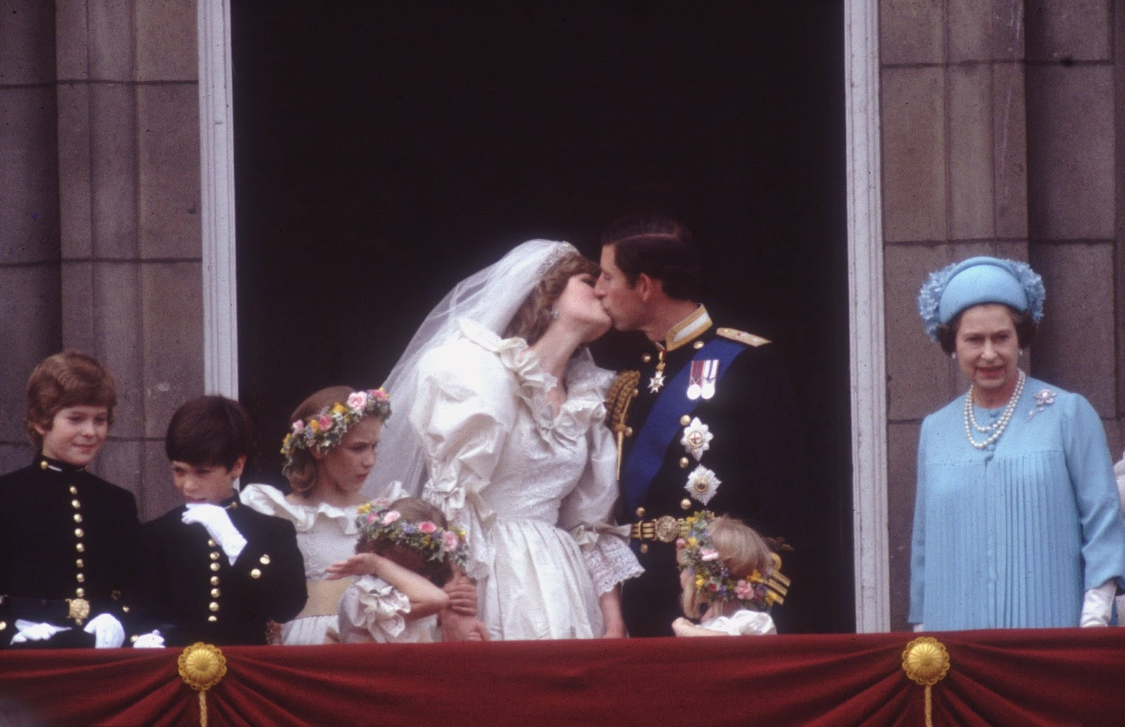 Diana And Charles Wedding.Queens Of England Royal Wedding Album Charles And Diana