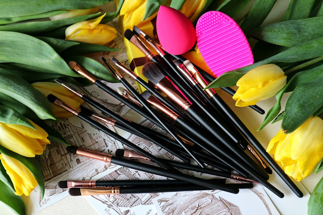 Zaful Makeup Brushes + Beauty Blender + Brush Egg