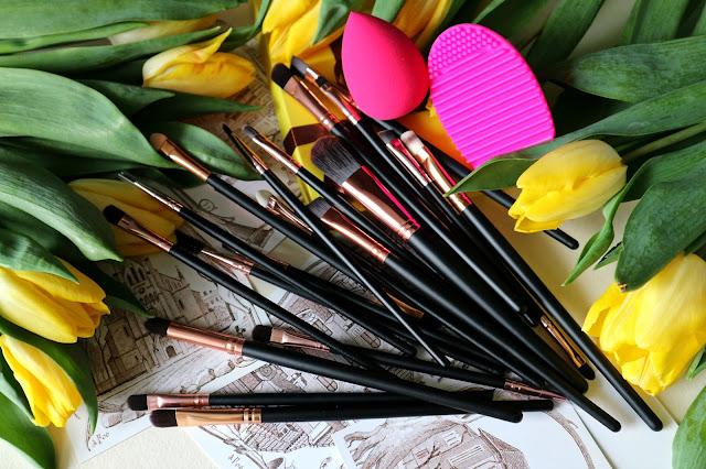 Zaful Makeup Brushes + Beauty Blender + Brush Egg