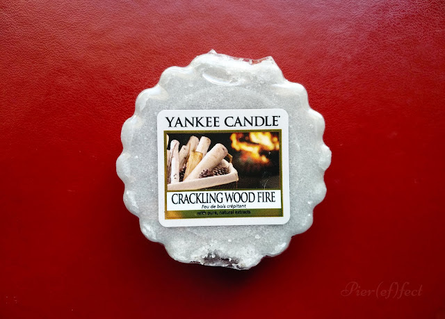 yankee candle cracking wood fire opinioni