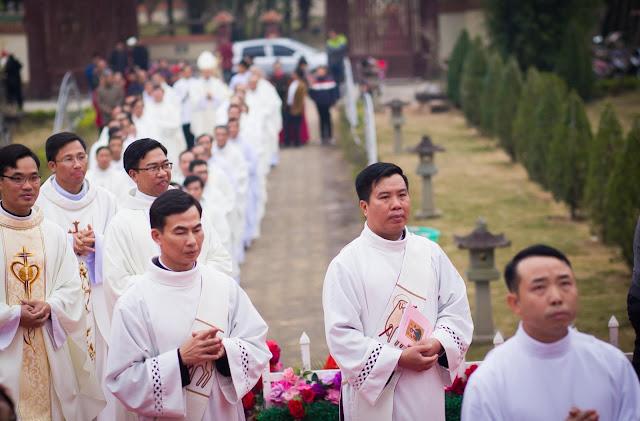 Lễ truyền chức Phó tế và Linh mục tại Giáo phận Lạng Sơn Cao Bằng 27.12.2017 - Ảnh minh hoạ 54
