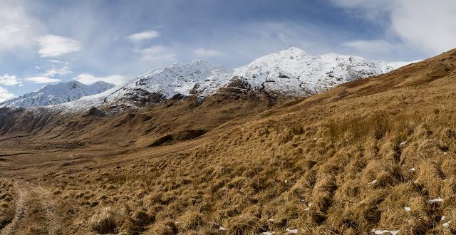 photolooking south long Gleann Duhb Lighe towards Beinn an Tuim