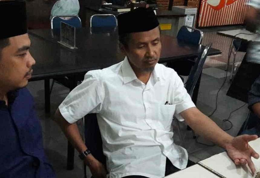 Makassar, IDekpress – Bakal calon bupati Bantaeng Jabal Nur melakukan konsultasi konsep Bantaeng Kota Santri kepada Aziz Qahar Mudzakkar.