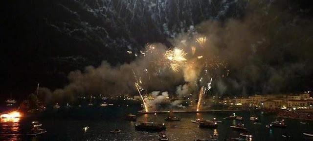 Χιλιάδες επισκέπτες για την αναπαράσταση της ιστορικής ναυμαχίας στις Σπέτσες