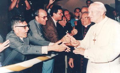 Resultado de imagem para fotos de monsenhor expedito com o papa joao paulo