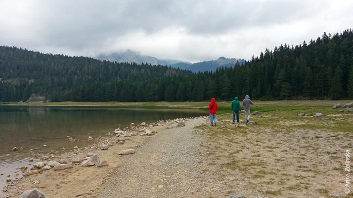 Прогулка вдоль Черного озера, Черногория