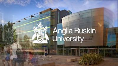 منحة لدراسة البكالوريوس والدراسات العليا في بريطانيا 2018