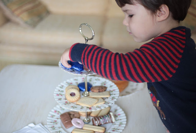 kids and cake