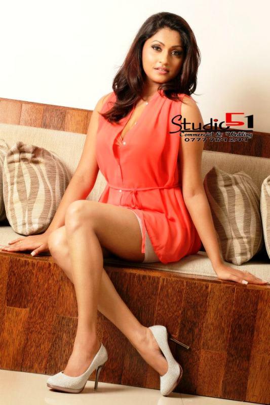 aruni rajapaksha Hot Image
