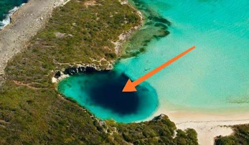 Dean's Blue Hole di Bahama