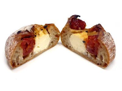 チェリートマトとクリームチーズのルヴァン | SAWAMURA(沢村)