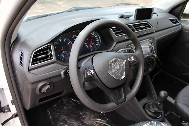 Novo VW Voyage 2019 - acabamento interno