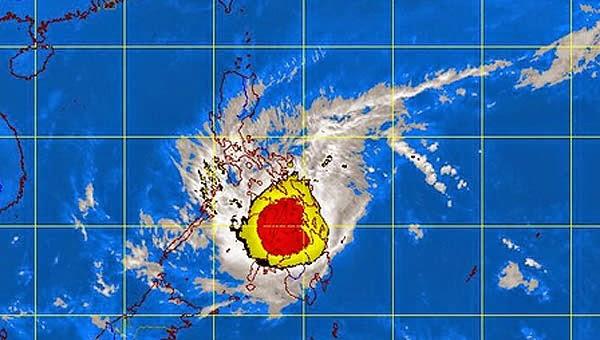 Minst 27 doda i filippinsk tyfon